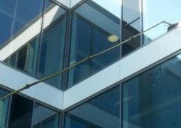 Reinigung von Fenstern und Glasfassaden - Ihre Kölner Heinzelmännchen